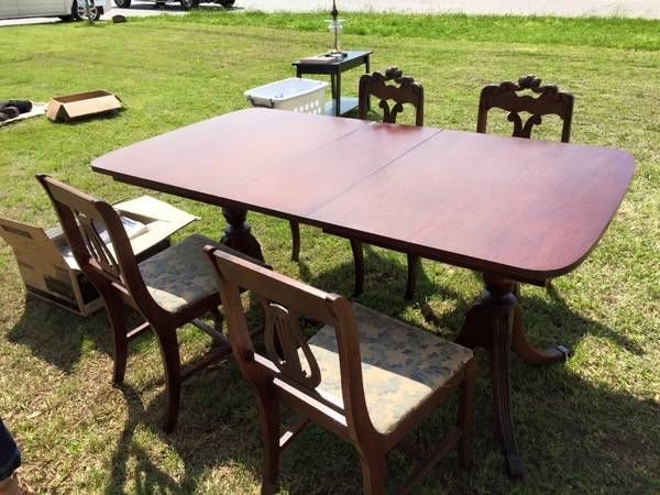 Duncan Phyfe table with four chairs